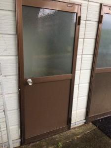 ドアの修繕